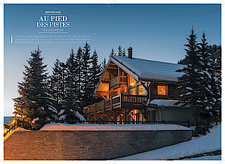 Article Architecture Bois présentation d'un chalet Lombard Vasina à Montgenevre dans les Hautes Alpes. Découvrez ce chalet alliant design contemporain et classicisme Italien avec beaucoup de goût.