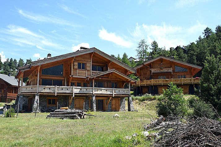 Chalet bois poteau-poutre réalisé par Lombard Vasina situé à Auron dans les Alpes Maritimes