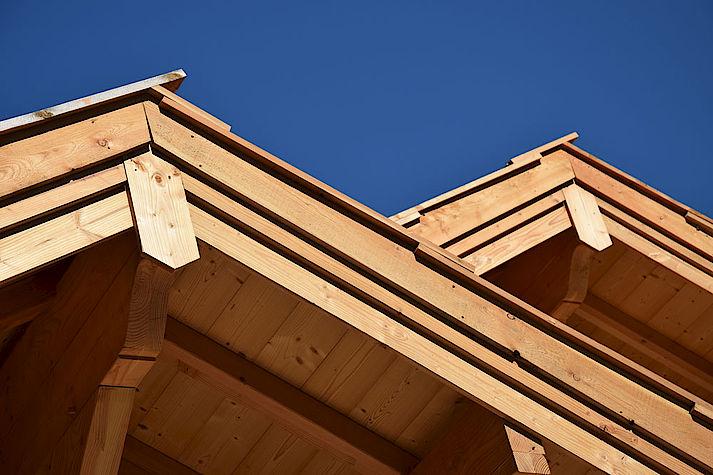 Chalet bois poteau-poutre réalisé par Lombard Vasina situé à Villar Saint Pancrace, Briançon