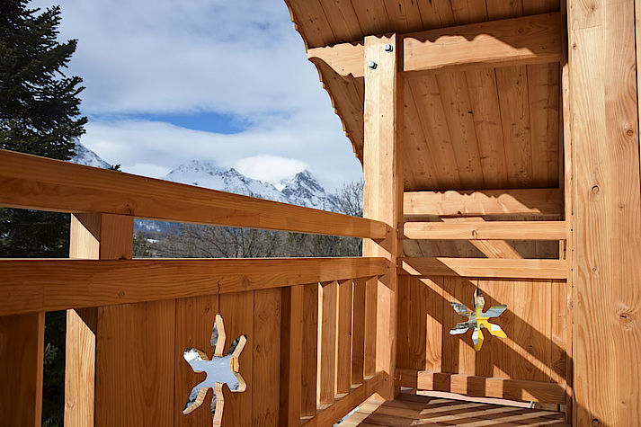 Chalet bois poteau-poutre réalisé par Lombard Vasina situé à Monetier