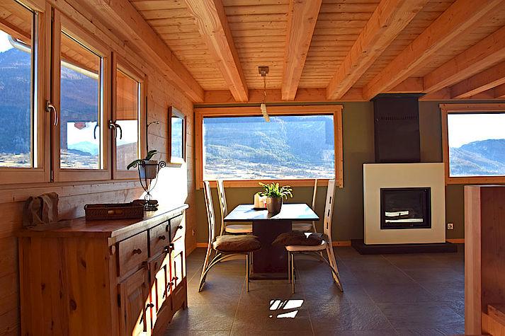 Salon chalet Lombard Vasina. Déco intérieur bois contemporain et design