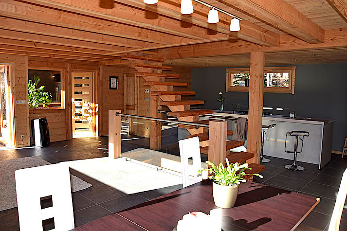 Salon Salle a manger chalet Lombard Vasina. Déco intérieur bois contemporain et design