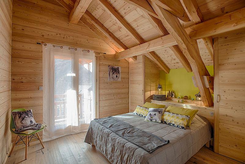 nos chalets en images lombard vasina. Black Bedroom Furniture Sets. Home Design Ideas