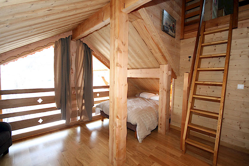 Nos chalets en images lombard vasina for Decoration interieur chalet bois