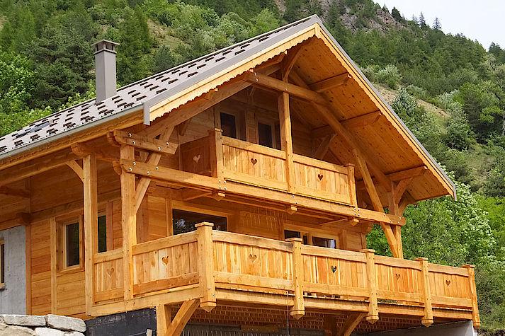 Construction Chalet Lombard Vasina meleze massif des hautes alpes. Situé a proximité de Briancon