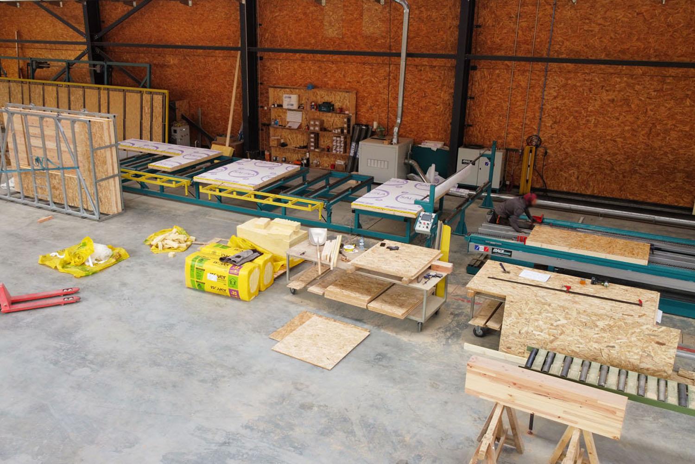 Atelier de fabrication de chalets bois - chalets Lombard Vasina Briançon Hautes Alpes. CN, commande numérique, Mach Diffusion