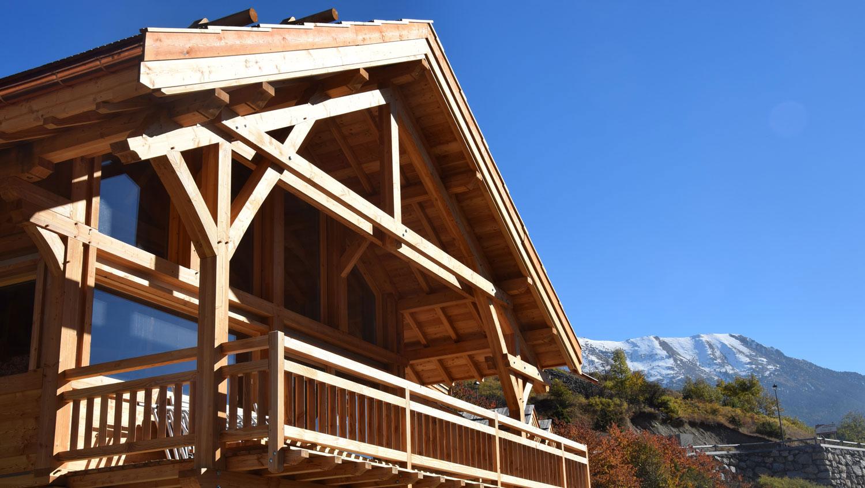 Chalet Lombard Vasina réalisé dans les Hautes Alpes à Serre Chevalier